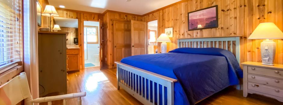 Coastal Cabin Rental, Carr Cottage, bedroom